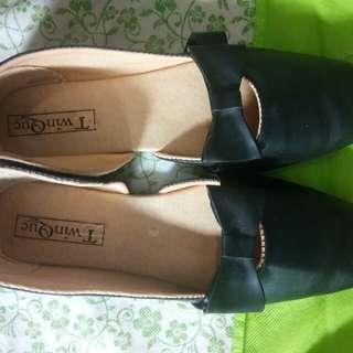 flat shoes hitam pita