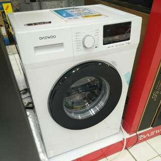 Mesin cuci daewoo dwd-0127uwb bisa dicicil.cepat