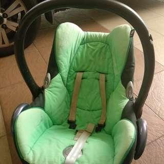 Maci Cosi Baby Carrier/ car seat