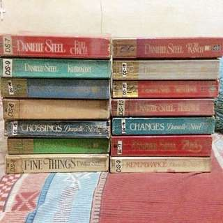 Danielle Steel Book bundles (14 pcs)