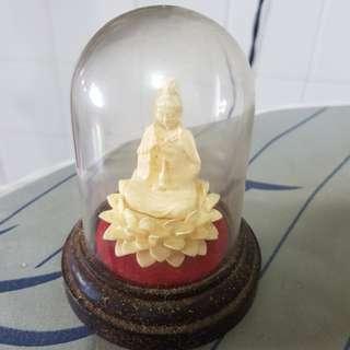 Guan Yi Statue