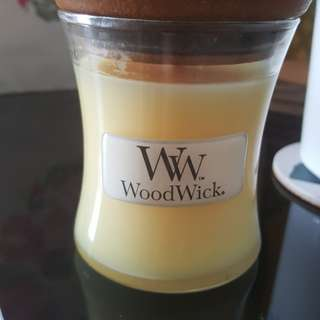 Woodwick Scented Candle
