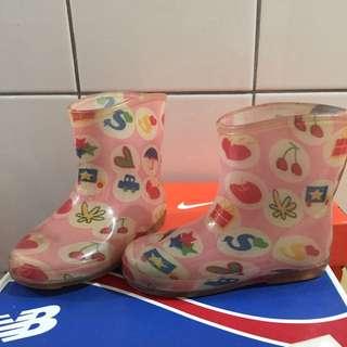 小女童雨靴