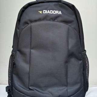 Tas Backpack - Diadora Warna Hitam Ada Slot Laptop- Baru & Original