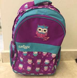 Smiggle light up wheels trolley backpack