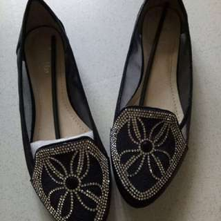 Flat Shoes Austin Size 40 Used Once
