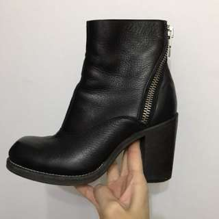 Mcq Alexander McQueen ankle boots 36size 37 can wear