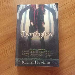 DEMONGLASS (batu sihir) oleh Rachel Hawkins