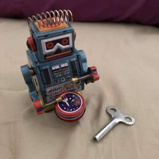 Wind Up Robot Drummer