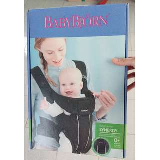 Baby Bjorn 人體工學超透氣抱嬰袋-黑