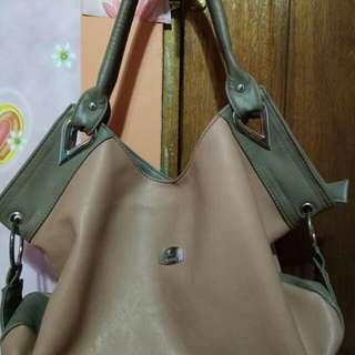 Jovanni Shoulder Bag