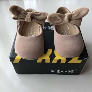 Baby girl shoe princess shoe beige