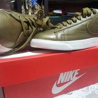 Authentic Nike Blazer Low LE
