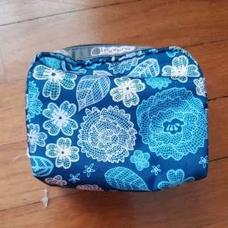 LaSportac square cosmetic pouch