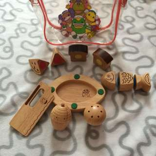 Wooden Food Set With Cutter