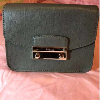 Furla small bag 99% new