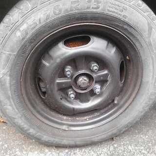 Steel rims / tyres. Iswara 1.5, 2008