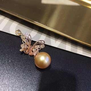 精品:18k雙色蝴蝶吊墜 南洋金珠珍珠12-13㎜。