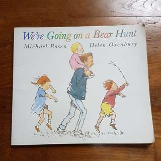 We are going on a bear hunt - children book  pre school