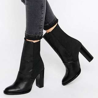 Dune black leather heeled boot
