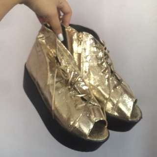 Brandnew Gold Creepers