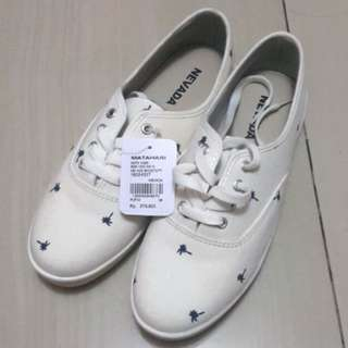 WHITE SHOES KETS NEVADA
