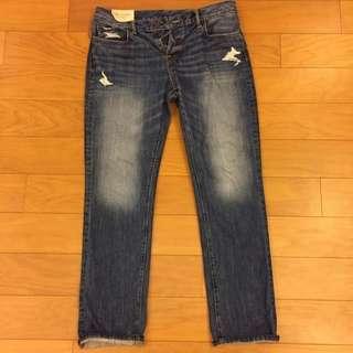 🚚 美國A&F 小直筒水洗破壞牛仔褲 Size 33