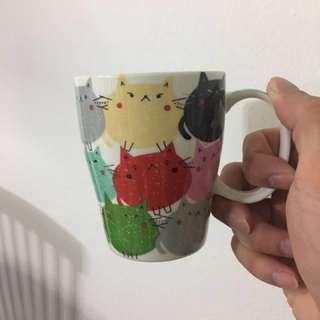 Cutely designed mug and piggy bank (bundle pack)