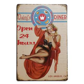 Vintage Reproduction Tin Sign (30cm x 20cm): Daisy's Diner Los Angeles, CA - Burgers Malts Since 1922 Open 24 Hours