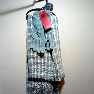 BNWT M&S Scarf and Gloves
