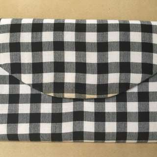 AMANO by Dexter Alazas Gingham Clutch