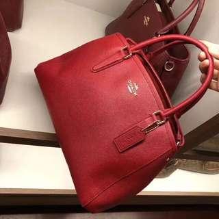 美國代購,香港現貨,全🆕Coach 戴妃包,配長帶!有深藍和大紅色