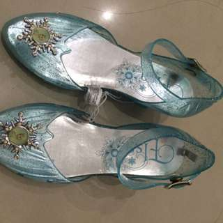 Light elsa shoes