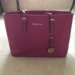 {Pre❤️} Authentic Micheal Kors Tote Bag