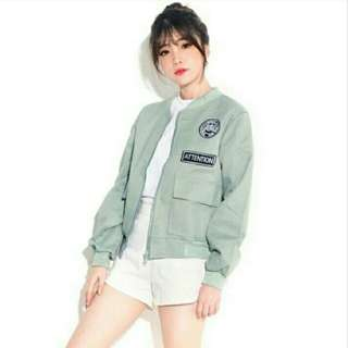 Bomber attention grey