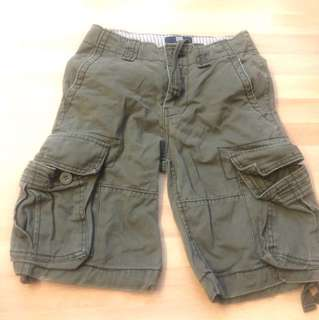Gap cargo shorts - 9 to 10 years