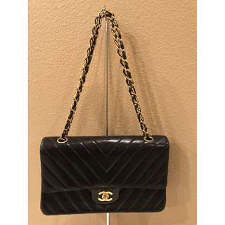 米蘭直送 Chanel Medium Vintage Classic Navy Chevron Quilted Double Flap Bag手袋