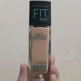 Maybelline Fit Me! Matte Poreless Foundation (125 Nude Beige)