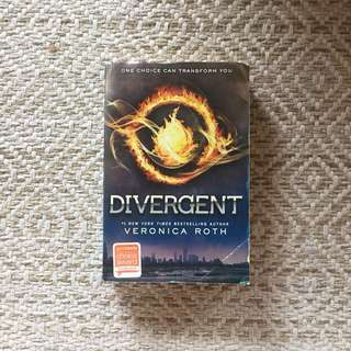 Divergent Trilogy - Veronica Roth