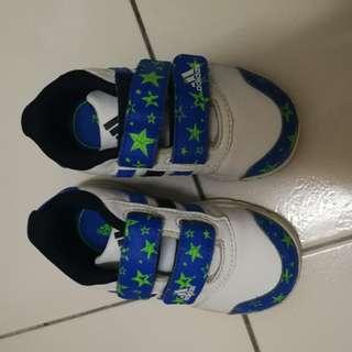 Preloved boy shoe