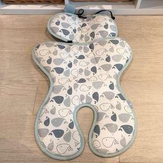 Reversible memory foam liner for stroller
