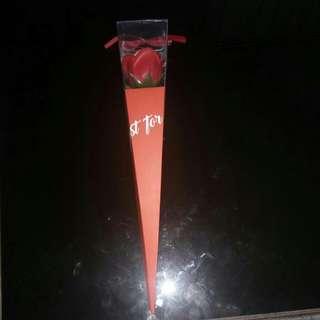 Bunga mawar plastik miniso