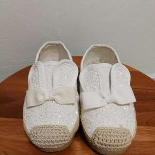 BRAND NEW WHITE SEQUIN SHOE
