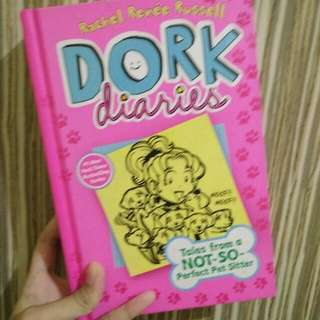 Dork Diaries : Tales From A Not So Perfect Pet Sitter