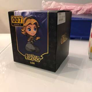 LEAGUE OF LEGENDS LUX FIGURINE