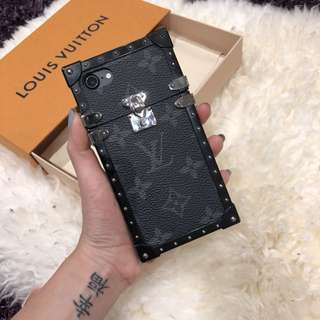 Louis Vuitton iPhone 7 Casing