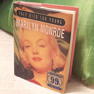 Marilyn Monroe mini biography book