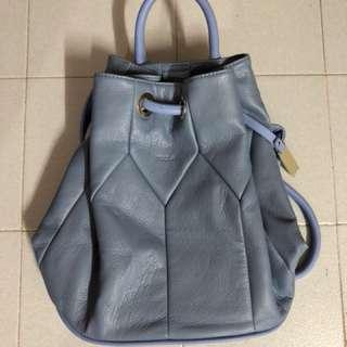 MIZZUE 淺藍色進口皮圓桶形兩用後背包