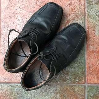 Marks & Spencer black leather shoes