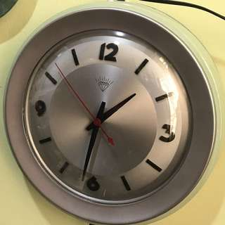 Vintage Diamond Clock - Excellent Condition (like new)